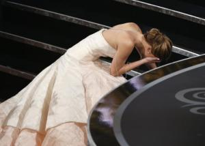 jennifer-lawrence-falls